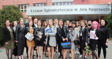 Pożegnania nadszedł czas… Zakończenie roku szkolnego tegorocznych absolwentów Kasprowicza